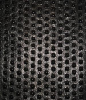 Черные шипы