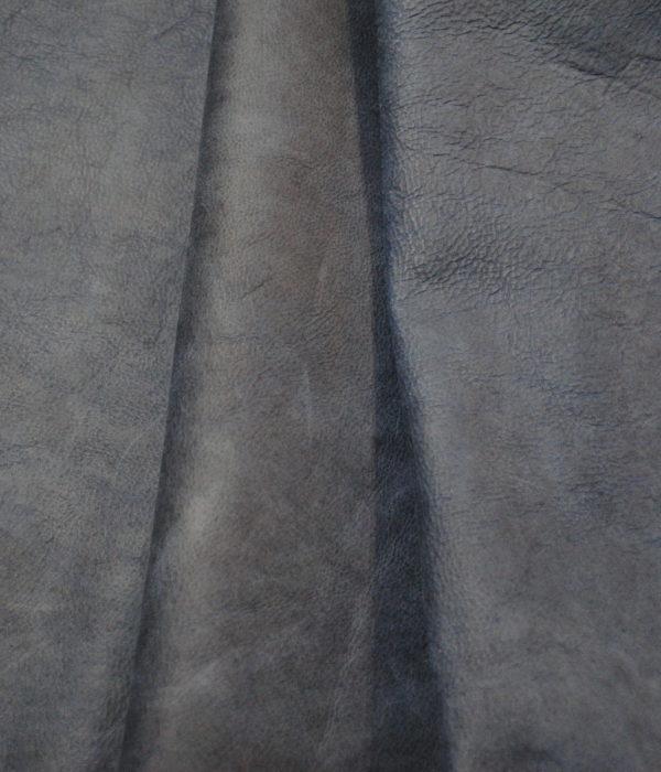 КРС теленок темно синий