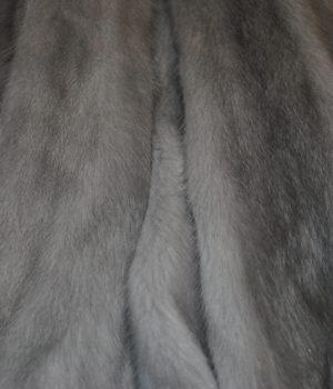 Норка светло серая самка