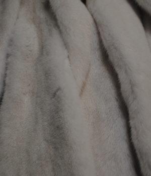Норка белая самка